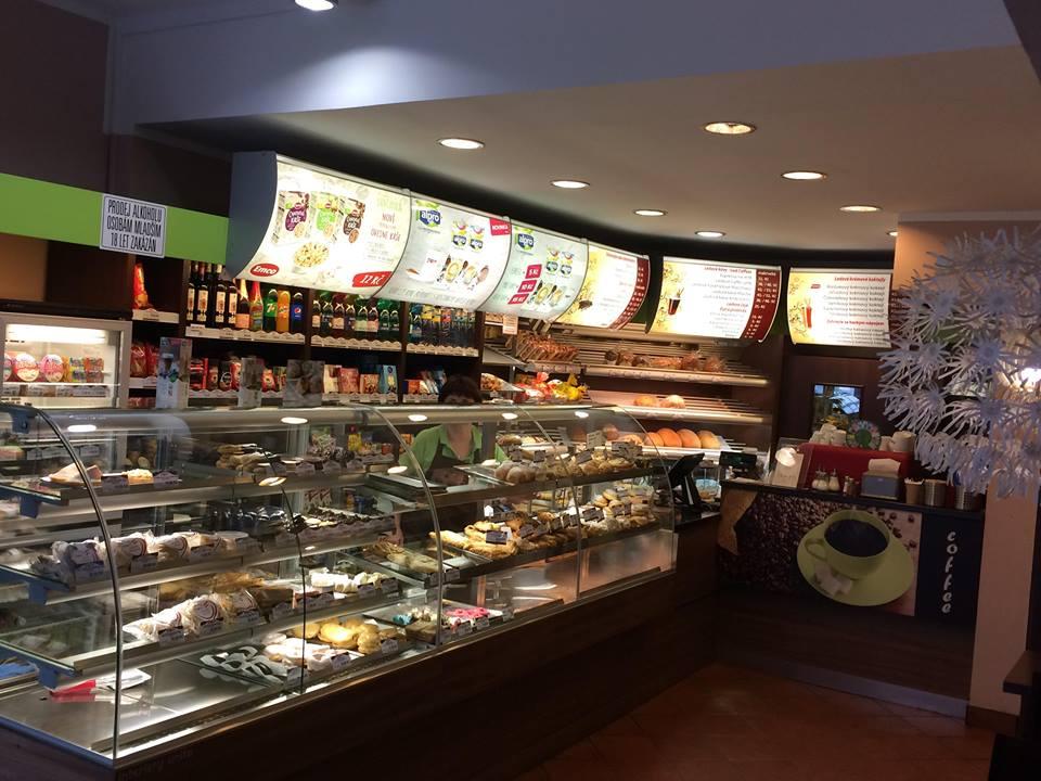 DéKáčko-široký sortiment sladkého i slaného pečiva, zákusků a chleba