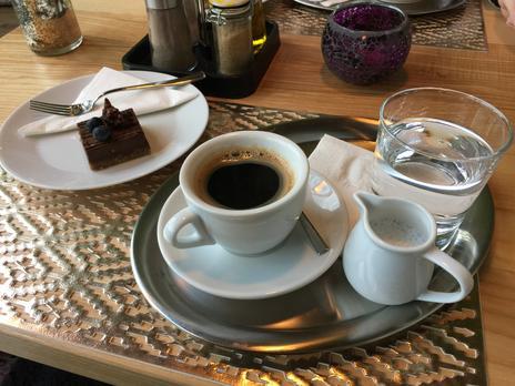 Kafe A Croissant V DéKáčku